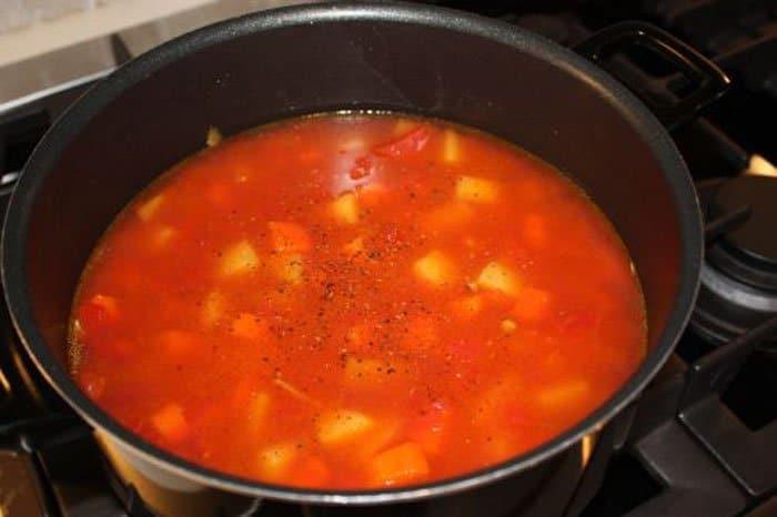 Фото рецепта - Овощное рагу с картофелем и чечевицей - шаг 2