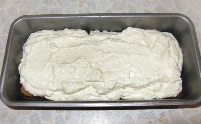 Фото рецепта - Шоколадный кекс с творожной начинкой - шаг 10