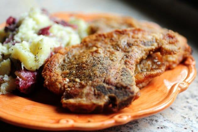 Жареные отбивные из свинины - рецепт с фото