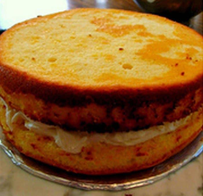 Фото рецепта - Лимонный торт «Жираф» с творожным кремом - шаг 6
