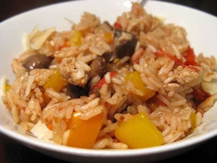Паэлья с курицей, грибами и овощами - рецепт с фото