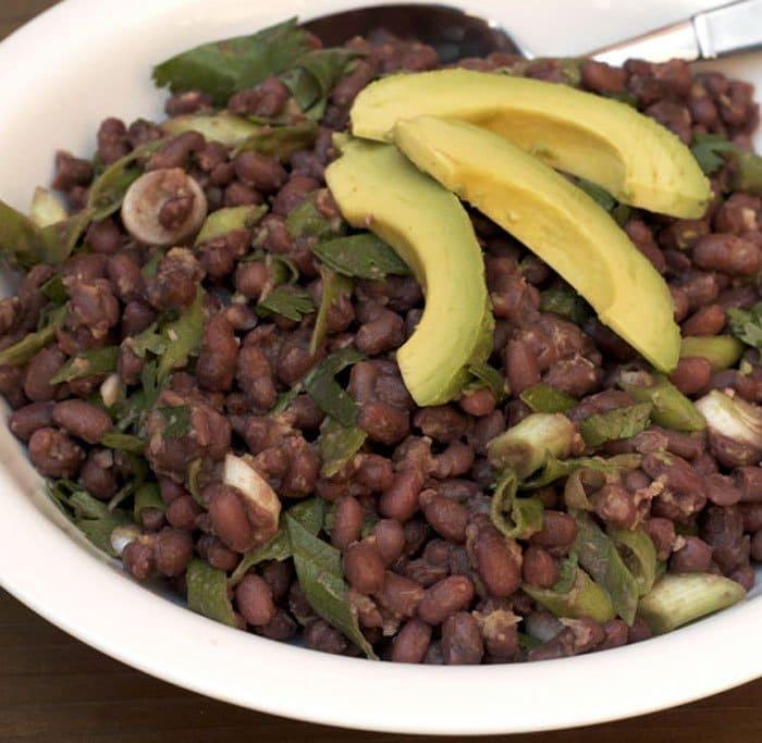 Салат с красной фасолью, авокадо и имбирем - рецепт с фото