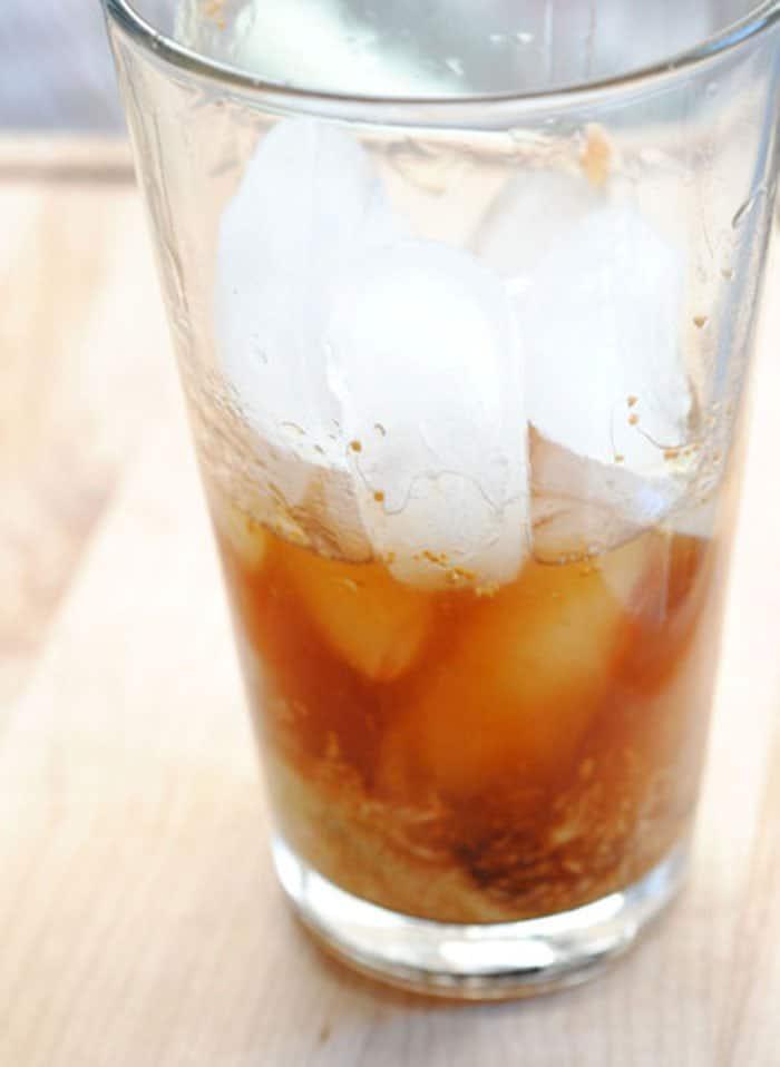 Фото рецепта - Алкогольный коктейль из инжира - шаг 3