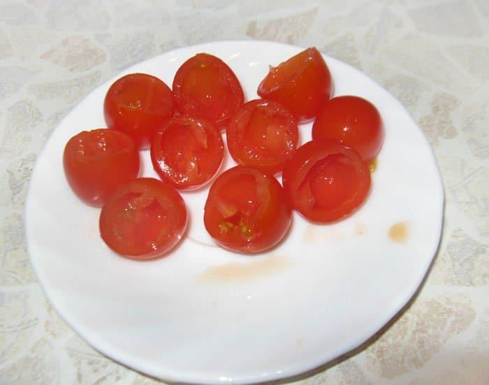 Фото рецепта - Детская закуска Грибочки на шпажках - шаг 2