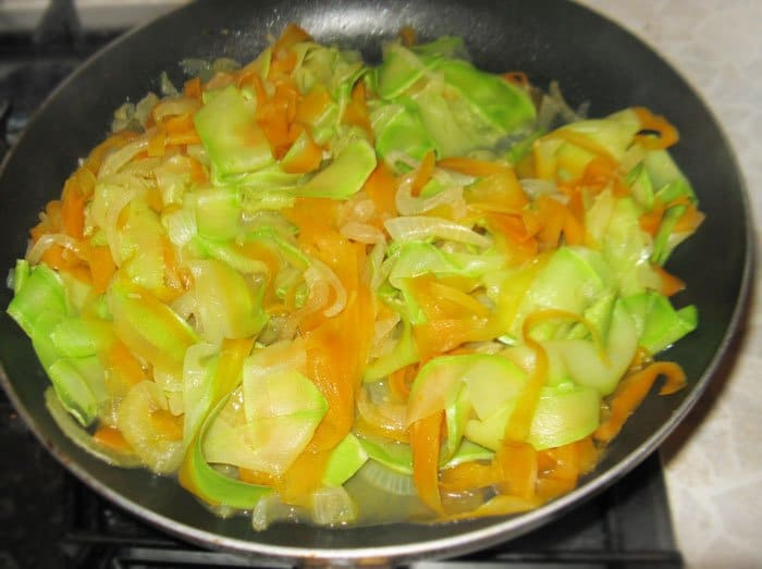 Фото рецепта - Овощное спагетти из кабачков и моркови - шаг 7