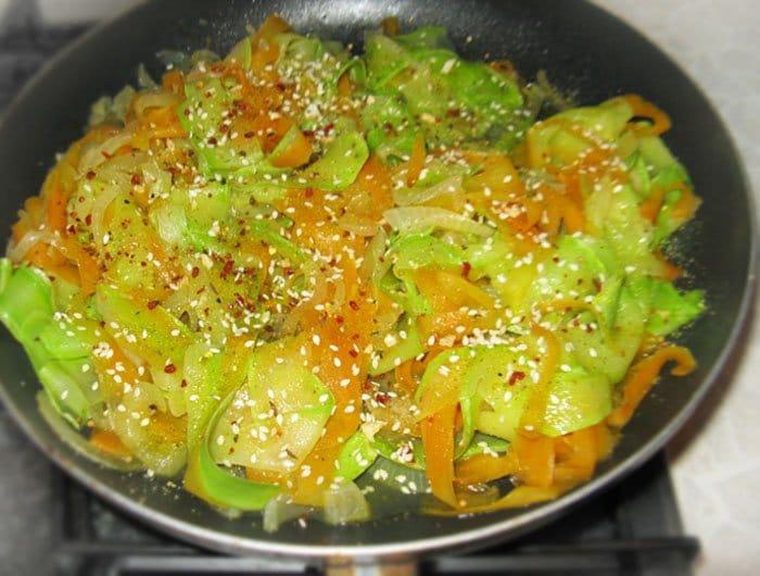 Фото рецепта - Овощное спагетти из кабачков и моркови - шаг 8