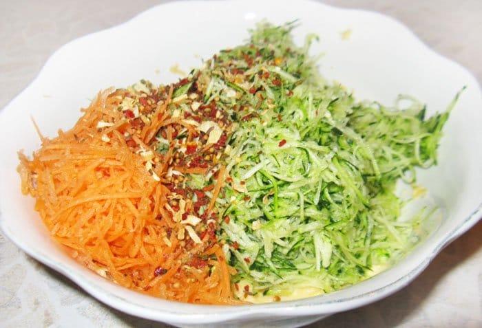 Фото рецепта - Песочный пирог с начинкой из кабачков - шаг 8