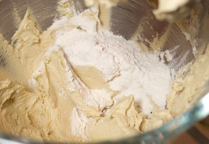 Фото рецепта - Шоколадное печенье с грецкими орехами - шаг 4
