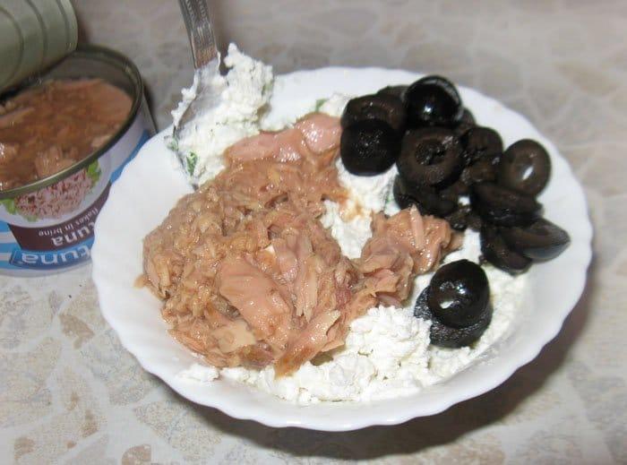 Фото рецепта - Тарталетки с тунцом и сыром Фета - шаг 2