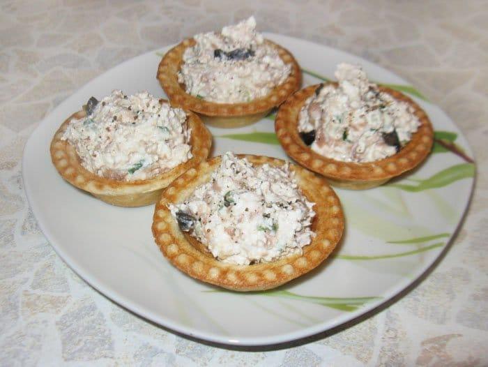 Фото рецепта - Тарталетки с тунцом и сыром Фета - шаг 4