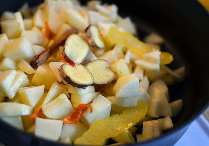 Фото рецепта - Яблочное пюре - шаг 2