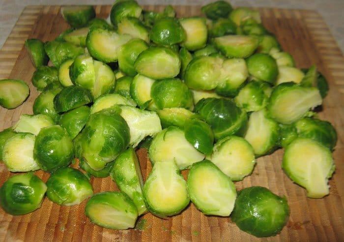 Фото рецепта - Запеченная брюссельская капуста с каштанами - шаг 2