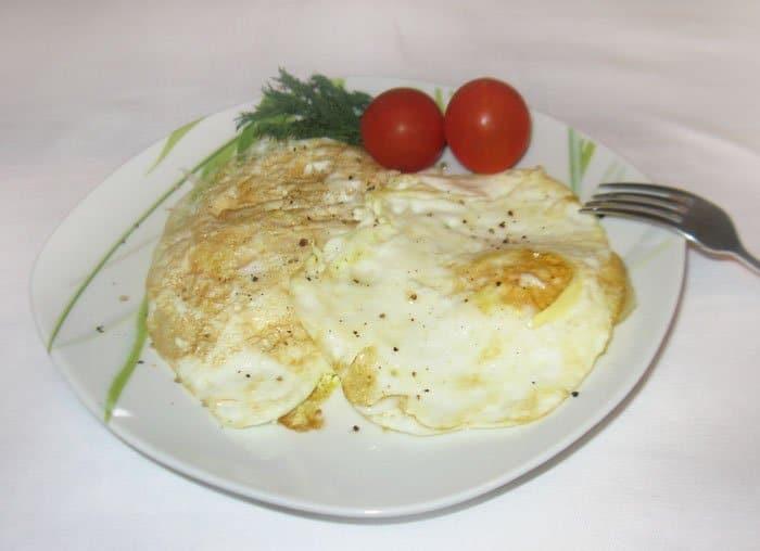 Фото рецепта - Жареные яйца в мешочек - шаг 3