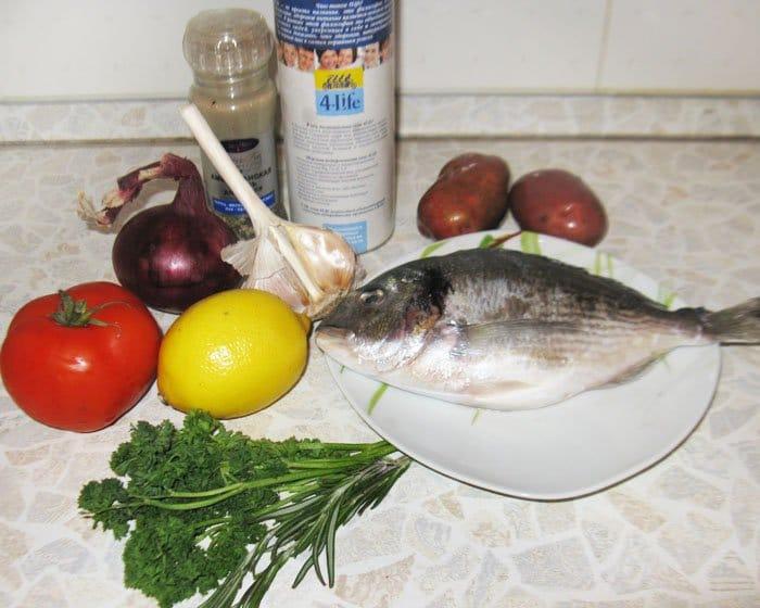 Фото рецепта - Дорада по-деревенски с картофелем - шаг 1
