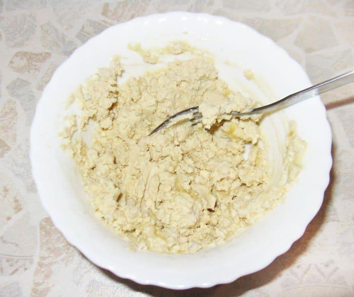 Фото рецепта - Фаршированные яйца с лососем и огурцом - шаг 1
