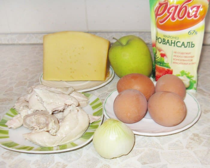 Фото рецепта - Салат «Белая Береза» из куриного филе - шаг 1