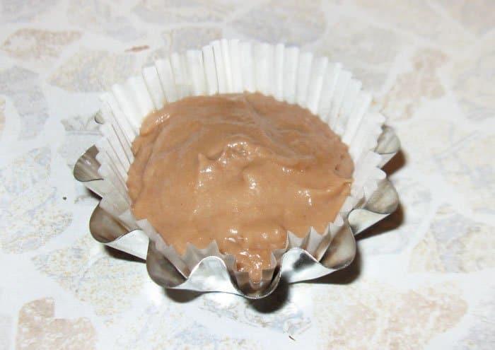 Фото рецепта - Шоколадные капкейки с шоколадным кремом - шаг 7