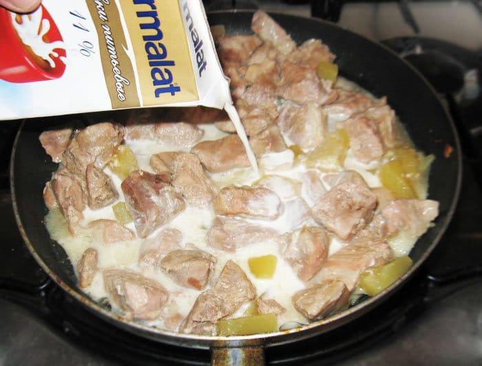 Фото рецепта - Свинина с ананасами - шаг 4