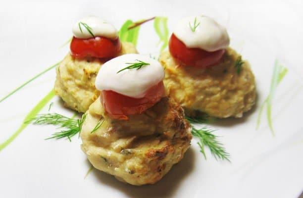 Мясные шарики с моцареллой - рецепт с фото