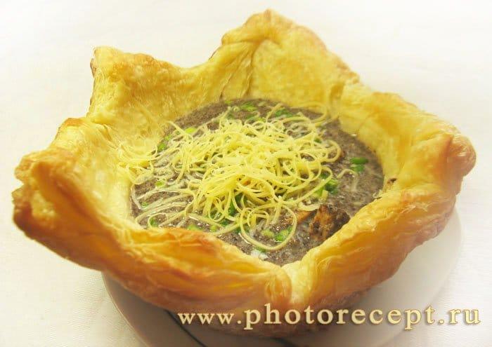 Фото рецепта - Свинина с грибами в хлебном горшочке - шаг 8