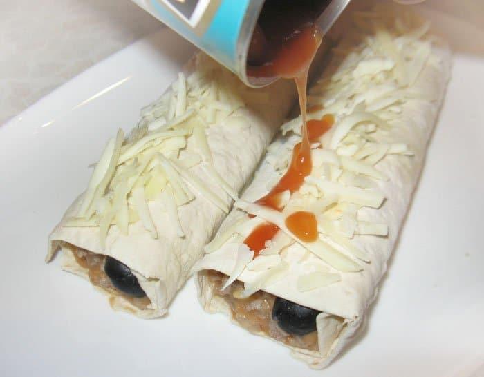 Фото рецепта - Буррито с фаршем и белой фасолью - шаг 8
