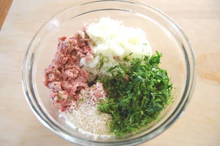 Фото рецепта - Фаршированные листья винограда (Далма) - шаг 1