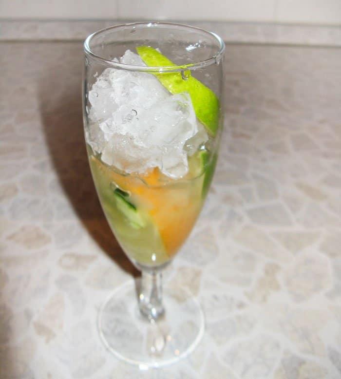 Фото рецепта - Огуречный лимонад - шаг 3