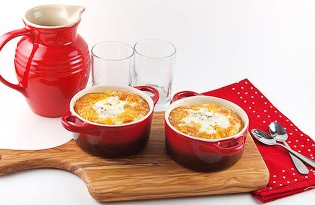 Фото рецепта - Запеченные яйца с «домашней колбасой» и пшенной кашей - шаг 9