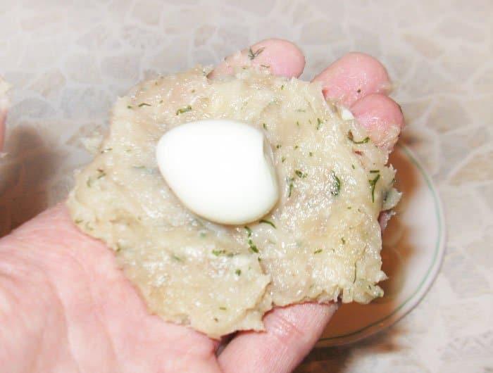 Фото рецепта - Перепелиные яйца по-шотландски - шаг 4