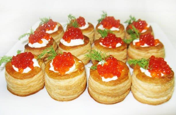 Тарталетки с икрой и сливочным сыром