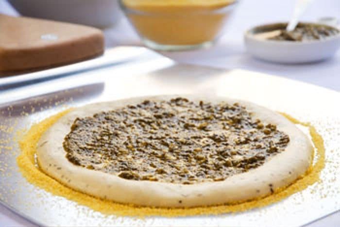 Фото рецепта - Тесто для пиццы с манной крупой - шаг 2