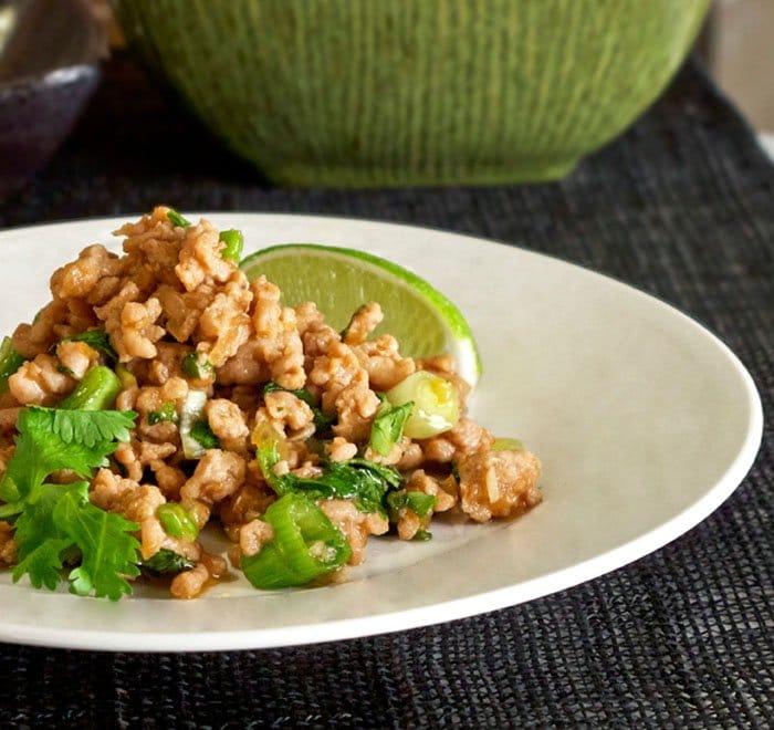 Тайское блюдо из куриного фарша с лаймом - рецепт с фото