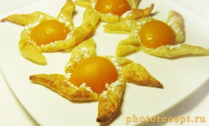 Фото рецепта - Слойки с персиками - шаг 4