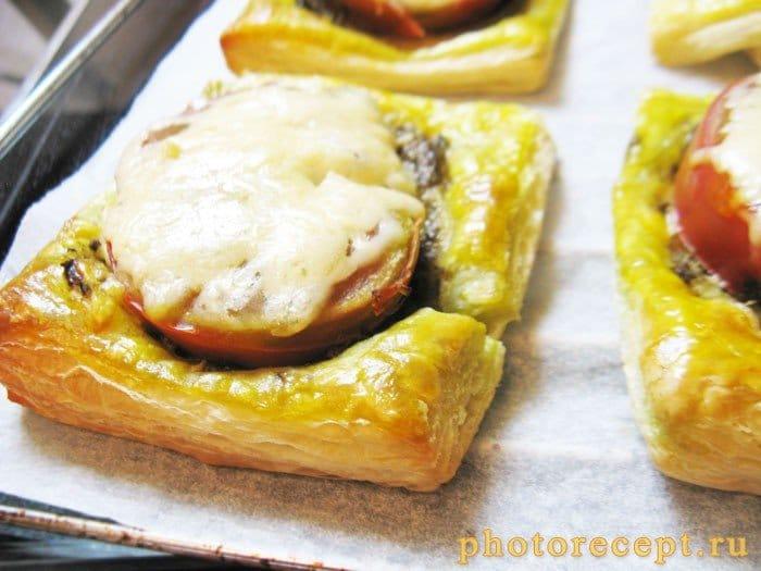 Фото рецепта - Тарталетки с соусом песто и помидорами - шаг 4