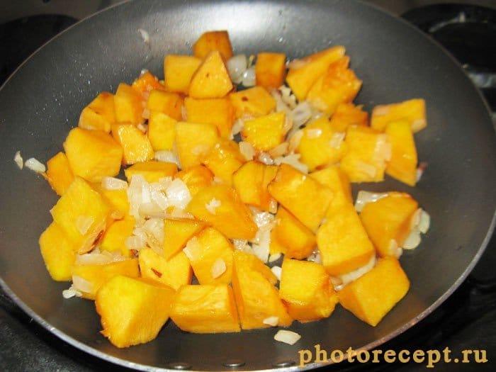 Фото рецепта - Овощной суп с тыквой и белой фасолью - шаг 4