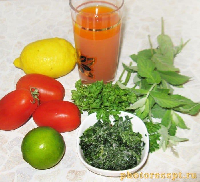 Фото рецепта - Томатный смузи с сельдереем и морковным соком - шаг 1