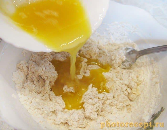 Фото рецепта - Банановые тарталетки с творожным кремом и малиной - шаг 2