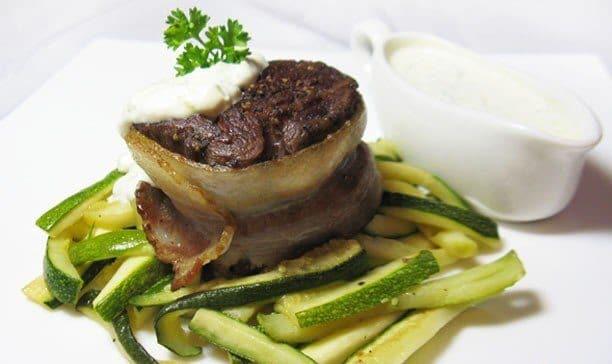 Филе-миньон из говядины с овощами