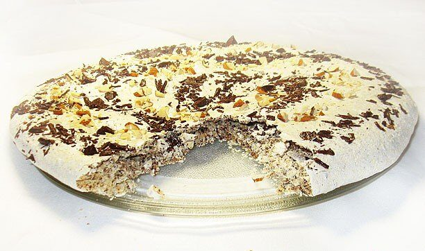 Миндально-шоколадный пирог из белков