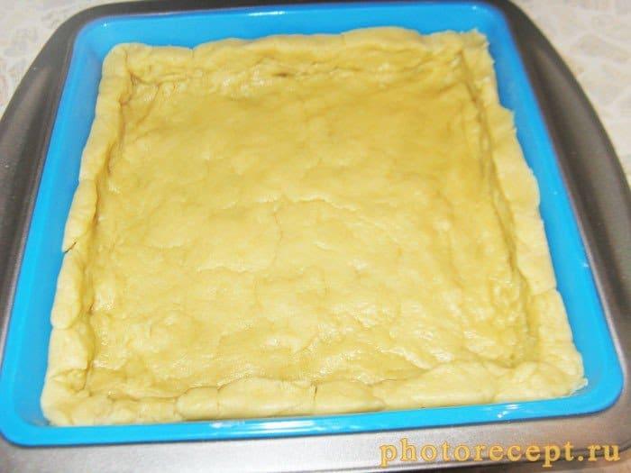 Фото рецепта - Пирог Крамбль с малиной - шаг 3