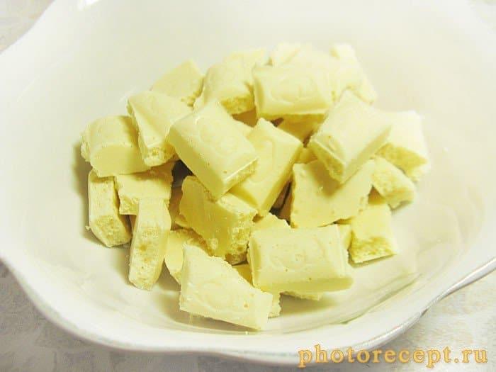 Фото рецепта - Пирог с черешней под белым шоколадом - шаг 5