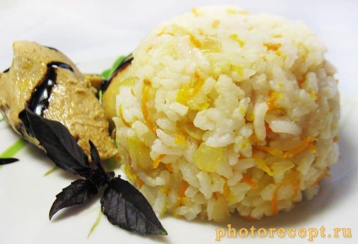Фото рецепта - Рис с луком и морковью - шаг 3