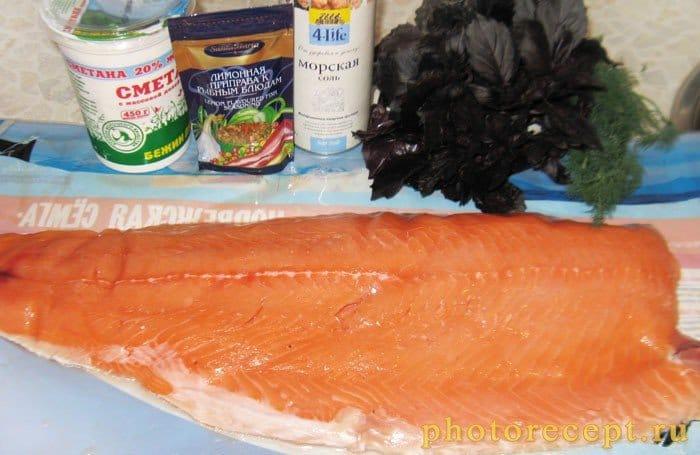 Фото рецепта - Рыба, запеченная в духовке под сметаной - шаг 1