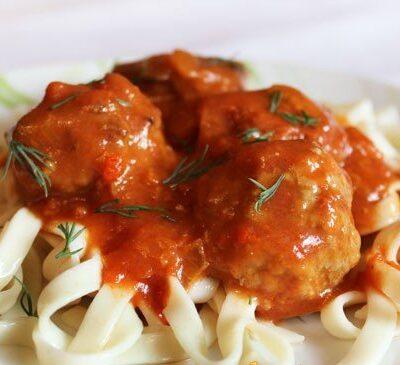 Фрикадельки в томатном соусе - рецепт с фото