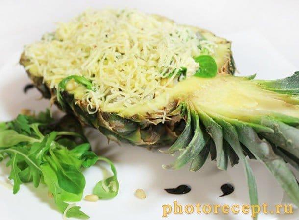 Салат с курицей, грибами и ананасом - рецепт с фото