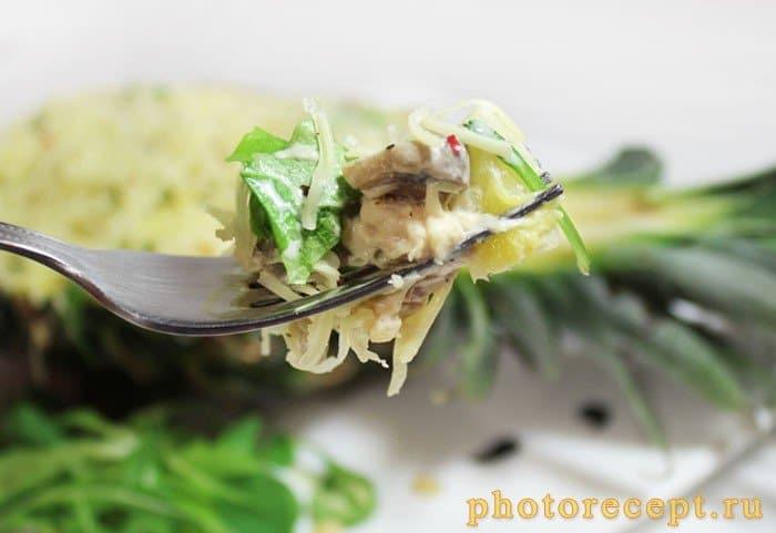 Курица, фаршированная ананасами и грибами – кулинарный рецепт