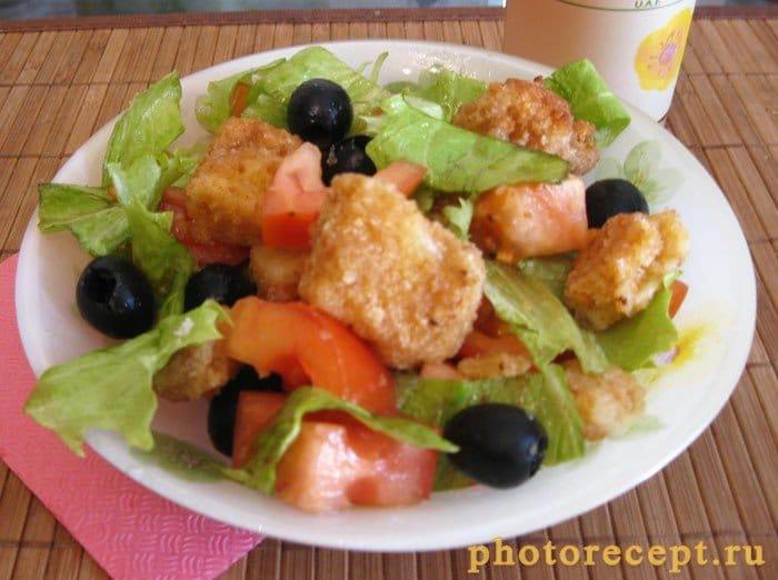Фото рецепта - Сыр жареный в составе яркого салатного разноцветья - шаг 5