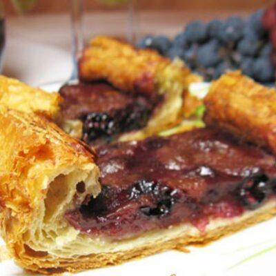 Тарт с виноградом и вином - рецепт с фото