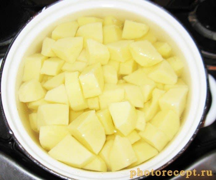 Фото рецепта - Картофельное пюре с базиликом - шаг 2
