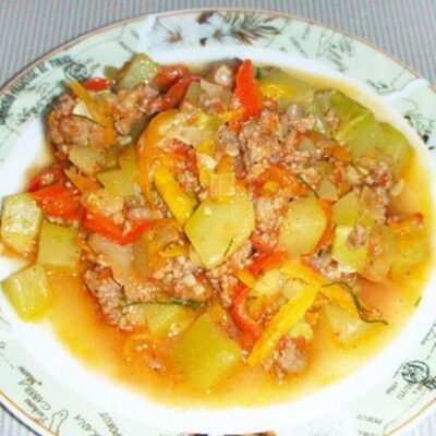 Рагу из кабачков с мясным фаршем - рецепт с фото